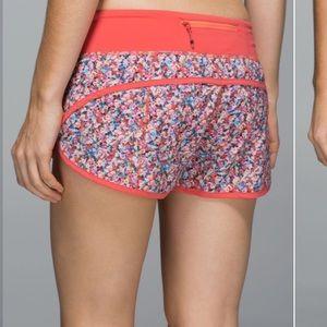 Lululemon Run: Speed Short *4-way Stretch Prism Petal Multi /Atomic Red 6 shorts